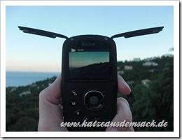 Kodak Playsport Zx5 Testbericht - Seitenklappen geöffnet
