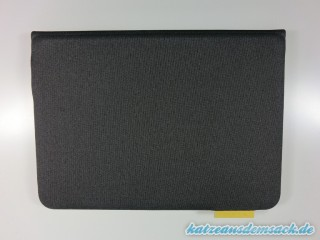 Logitech_FabricSkin_Keyboard_Folio_fuer_iPad_Air_Test_aussenseite