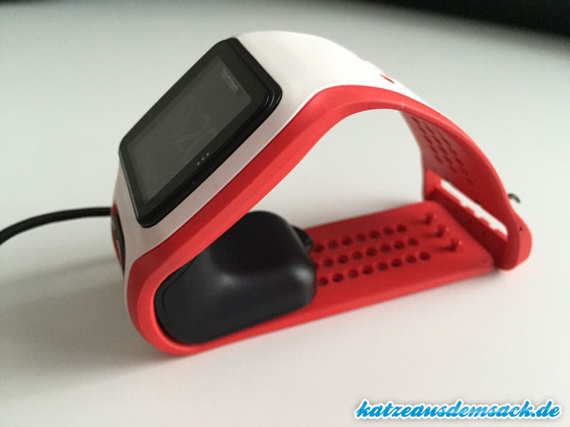 tomtom-runner-cardio-dockingstation-bild