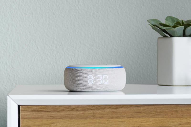 Amazon Echo Dot mit LED-Anzeige für Uhr, Außentemperatur oder Timer
