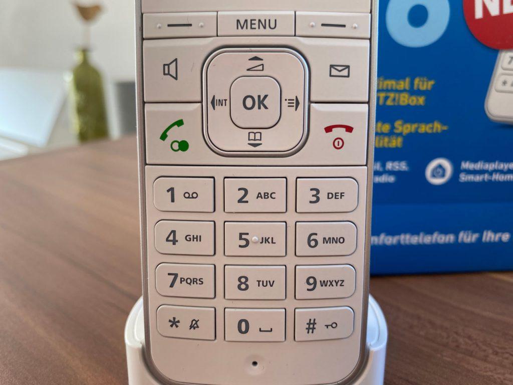 FRITZ!Fon C6 getestet - DECT-Telefon für die FRITZ!Box - Nahaufnahme Tastatur